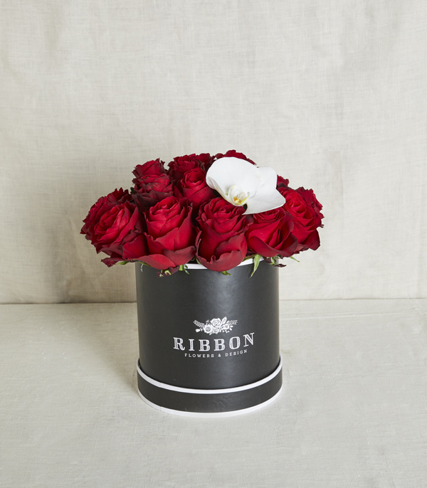 Red Roses in Black Box
