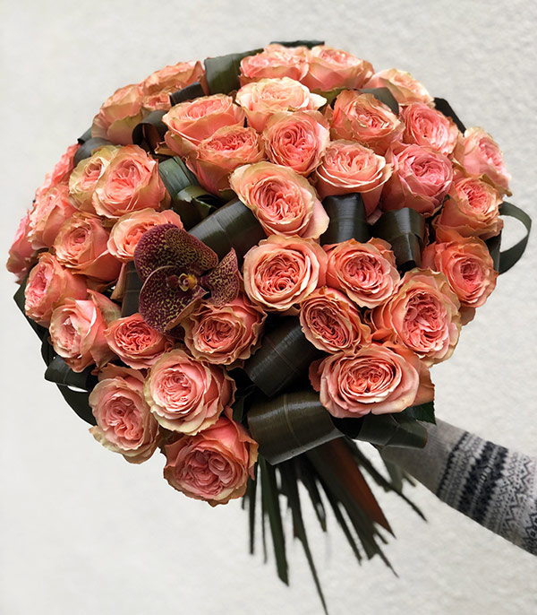 Grand Deluxe 50 Salmon Roses Bouquet