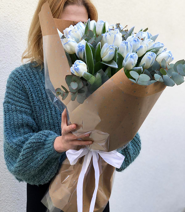 Blue Cloud Tulip Bouquet