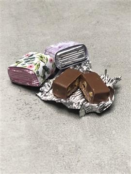 krokanlı Çikolata, kaplı çikolata, çiçek desenli kaplama