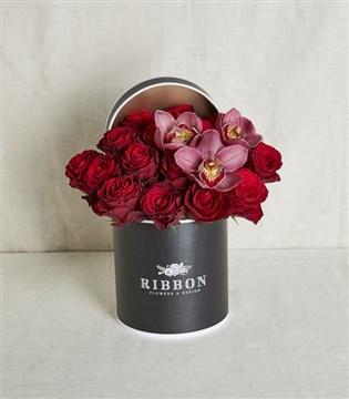 kutuda gül, kutuda çiçek
