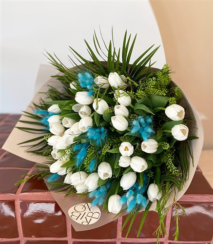 White Tulip Dream Bouquet