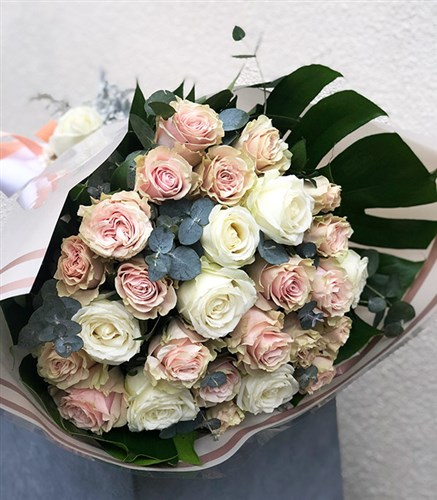 Grand Pastel Rose Bouquet
