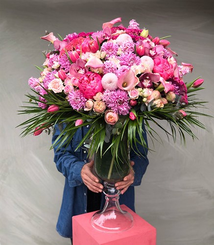 Grand Deluxe Peony Panoramic Arrangement