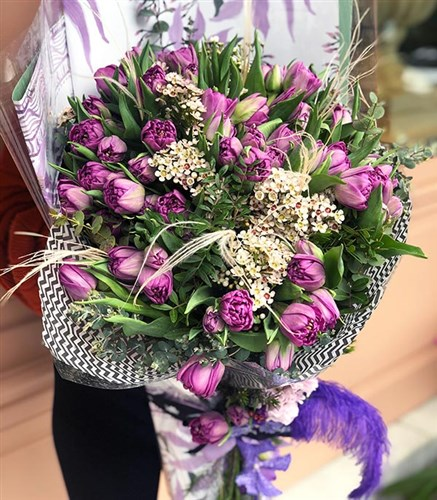 Queen Elizabeth Purple Grand Bouquet